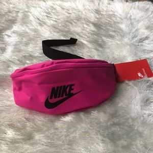 NWT! Nike Fanny pack
